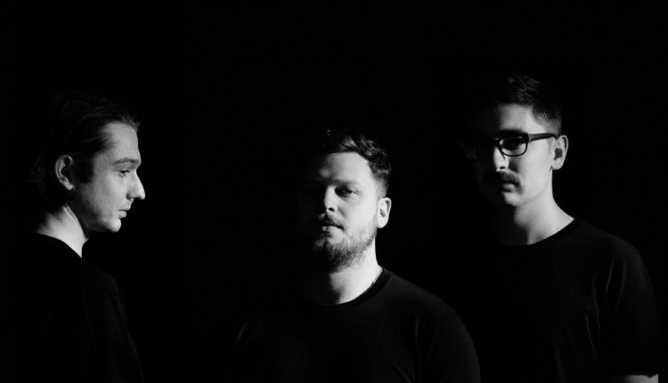 alt-J-TIAY-01-credit-Gabriel-Green_Low